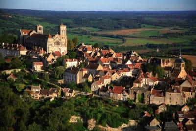 Village de Vézelay , vue aérienne